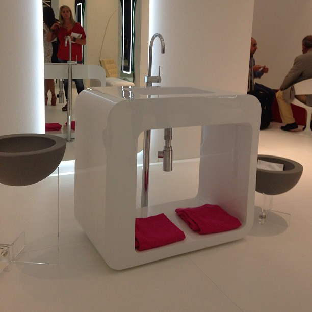 Lasaidea al cersaie 2013 blog interior design idro 80 - Mobili in polistirolo ...