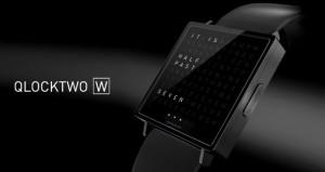 QlockTwo W di Biegert&Funk l'orologio che racconta le ore