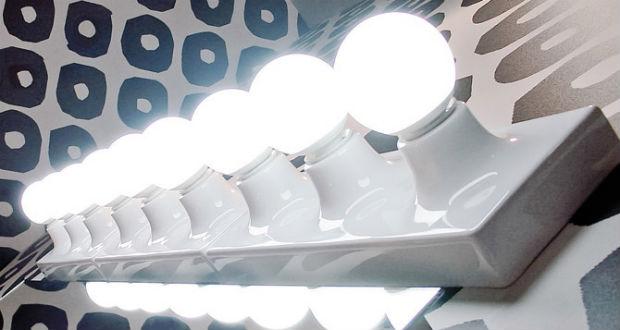 Make up infallibile con le lampade della flaminia blog interior design idro 80 - Specchio per trucco con luci ...